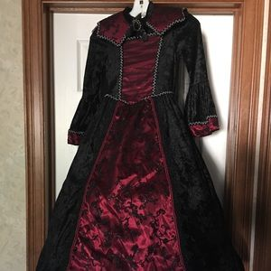 Victorian Lady costume for girl. Size Small (7-8)